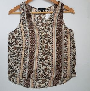 NWT zippered boho shirt.